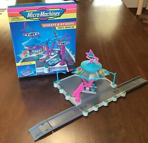 Micro Machines Hiways & Byways Tiny's Drive-In Galoob