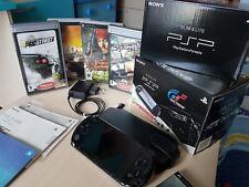 Sony PSP Slim & Lite Bundle Granturismo, batteria nuova e 5 giochi, come nuova!