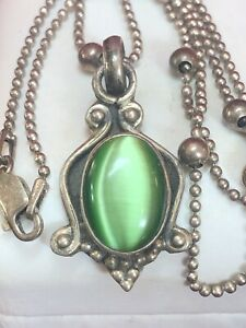 VINTAGE ESTATE STERLING SILVER GREEN MOONSTONE PENDANT NECKLACE