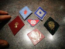 Lot d'Anciens Ecussons Insigne Militaires et Croix Rouge