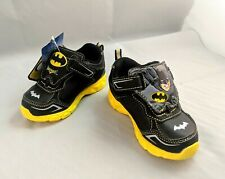 NEW IN BOX DC COMIC I TURN BATMAN BOYS ATHLETIC SHOES SIZE 7 SNEAKERS