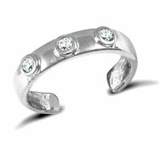 9ct Solid White Gold (New) Three Stone Set Toe Ring *Fully Hallmarked*
