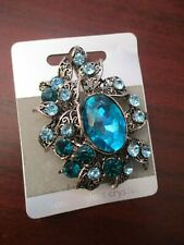 Ladies Brooch Turquoise Oval Brooch with Glass Crystal Detail