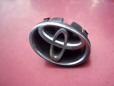 OEM  Circle T Grille Emblem Chrome for 1998 2000 Toyota Corolla USED EXCELLENT