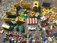 Vintage 1970's LEGO Castle + 20 figures and extras