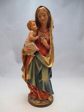 Wunderschöne Holzschnitzerei, bemalt, Madonna mit Kind und Trauben 29,5cm groß