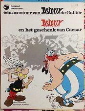 Asterix en Het Geschenk van Caesar by R. Goscinny c1975 Good Paperback Dutch