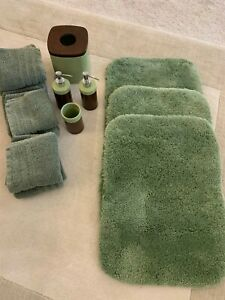 14-PIECE GREEN BATHROOM SET RUGS TOWELS TISSUE HOLDER CUP AND TWO DISPENSERS