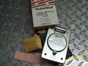 NEW RUSSELLSTOLL 8003U1 EVERLOK RECEPTACLE F22790A