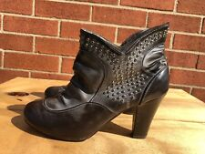 Novela Women brown pull on on  studded high  Heel Ankle Boots Size US 7.5