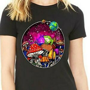 Psychedelic Forest Mushrooms Nature Fungi Fantasy Frog T-Shirt