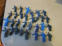 LIONEL 30PCS FIGURES FOR 3562 BARREL CAR AND OTHERS REPROS FOR THE MOST PART