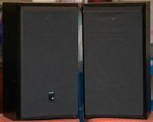 B&W DM310 Speakers