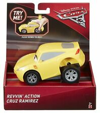 Disney Pixar Cars 3 Revvin' Aktion Fahrzeug - Cruz Ramirez
