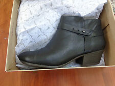 Clarks Boylan Dawn Black Boots size 10 M New Booties