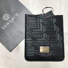 BNWT Versace Logotipo en Negro Cuero Funda iPad RRP £ 425 Negro Cuero 100% Genuino