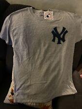 NY Yankees NWT Sz L T-Shirt!  😍🔥😍
