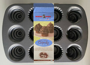 BRAND NEW NORDIC WARE from Lakeland Creme Filled Cupcake Procast Bakeware