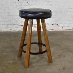 Brandt Ranch Oak Bar Stool Acorn Brown Finish & Black-Brown Faux Leather Seat