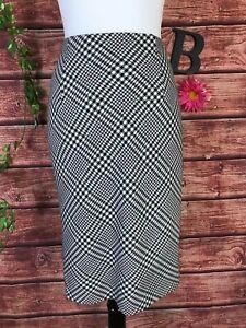 White House Black Market WHBM Skirt 4 Black White Plaid Straight Pencil Knee