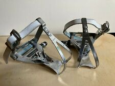 Shimano 600 Aero Pedals, Toe Clips, White Leather Wellgo Straps, Vintage Racing