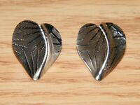Silver Tone Heart Leaf Style Women's Fashion / Costume Jewelry Earrings **READ**