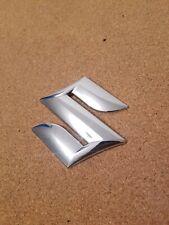 NEUF ORIGINE SUZUKI SPLASH SX4 Calandre Avant Chrome S Badge Emblème 77811-54GC0-0PG
