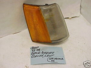 JEEP GRAND CHEROKEE 93-98 JEEP GRAND WAGONEER 93 CORNER LIGHT PASSENGER RH RIGHT