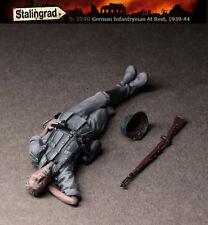 STALINGRAD MINIATURES, 1:35, German Infantryman At Rest, 1939-44, S-3540