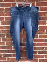 Torrid Jeans 18S Womens Blue Denim Jegging Stretch Medium Wash Cropped Pants