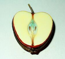 LIMOGES BOX ~PARRY-VIEILLE~ MCINTOSH APPLE HALF & METAL STEM ~FRUITS~ PEINT MAIN