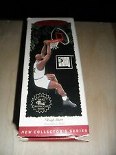 Shaquille Oneal Hallmark Collectible Ornament Figure & Card Nib Nba Great!