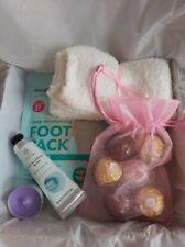 Women's Gift Hands & Feet pamper set w/chocolates Valentine / Mothers day