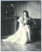H. Blancard, France, Portrait de Melle. Laparcerie  Vintage print. Acteurs du Th