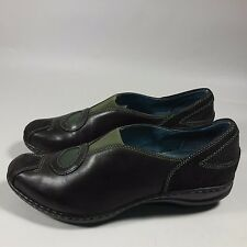 Women's Indigo by Clarks Slip-on Low Heels Shoes Loafers Brown/Olive Leather-6 M