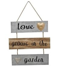 'Love Grows in the Garden' Inspirational Home / Garden Decor Wallhanging