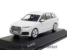 Audi Q7 1:43 Gletscherweiß Modellauto 5011407623