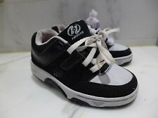 Boys Heely's Skate Shoes Size 2 Youth Vguc skates black/white