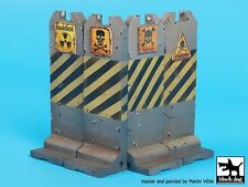 Black Dog 1/35 Post Apocalyptic Roadblock Concrete Barriers (4 pieces) FD012