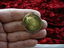 (b-knight-1) Knight and shining armor soldier round Victorian repro pin pendant
