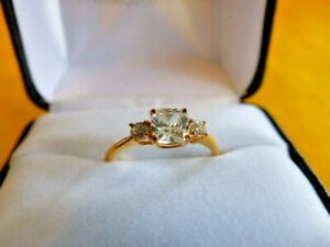 Avon Sparkle Like Markle Trilogy Ring Size 10 18ct Gold Plated Simulated Diamond