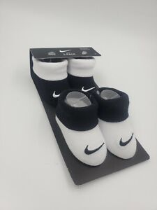2 Pair Nike Baby Booties, Size 0-6 Months, Black, White, Shower Gift, L33 MP