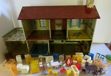 VINTAGE MAR TOYS METAL DOLL HOUSE.6 ROOMS.52 PIECES OF FURNITURE & ACCESSORIES