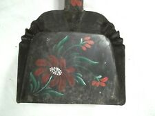 VINTAGE EARLY 20th CENTURY TOLE DECORATED TIN HEARTH SHOVEL