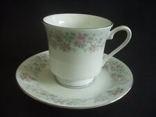 Made in china-footed tasse & soucoupe-motif floral