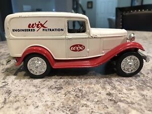 ERTL 1932 Panel Delivery Bank Wix Filters 1991 Truck Ford