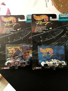 Hot Wheels Racing Speed and Thunder Edition NASCAR #6 Valvoline #11 paychex Cars