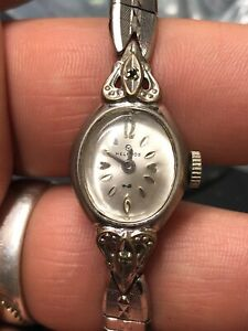 *WORKING* Vintage Antique 1960s Ladies Helbros Mechanical Silver Tone Watch