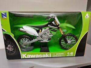 Kawasaki KX450F  2010    1/6 Newray