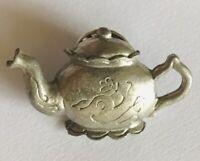 Silver Style Teapot Kettle Tea Flower Design Pin Badge Rare Vintage (C21)